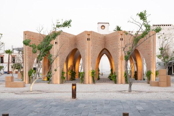 central gardens masonry arches